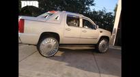 S768-Swyrl on Cadillac Escalade EXT