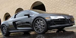 Audi R8 V-10