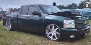7SEVEN on Chevrolet Silverado 1500 HD