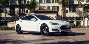 Essen - M147 on Tesla Model S