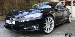 Essen - M146 on Tesla Model S