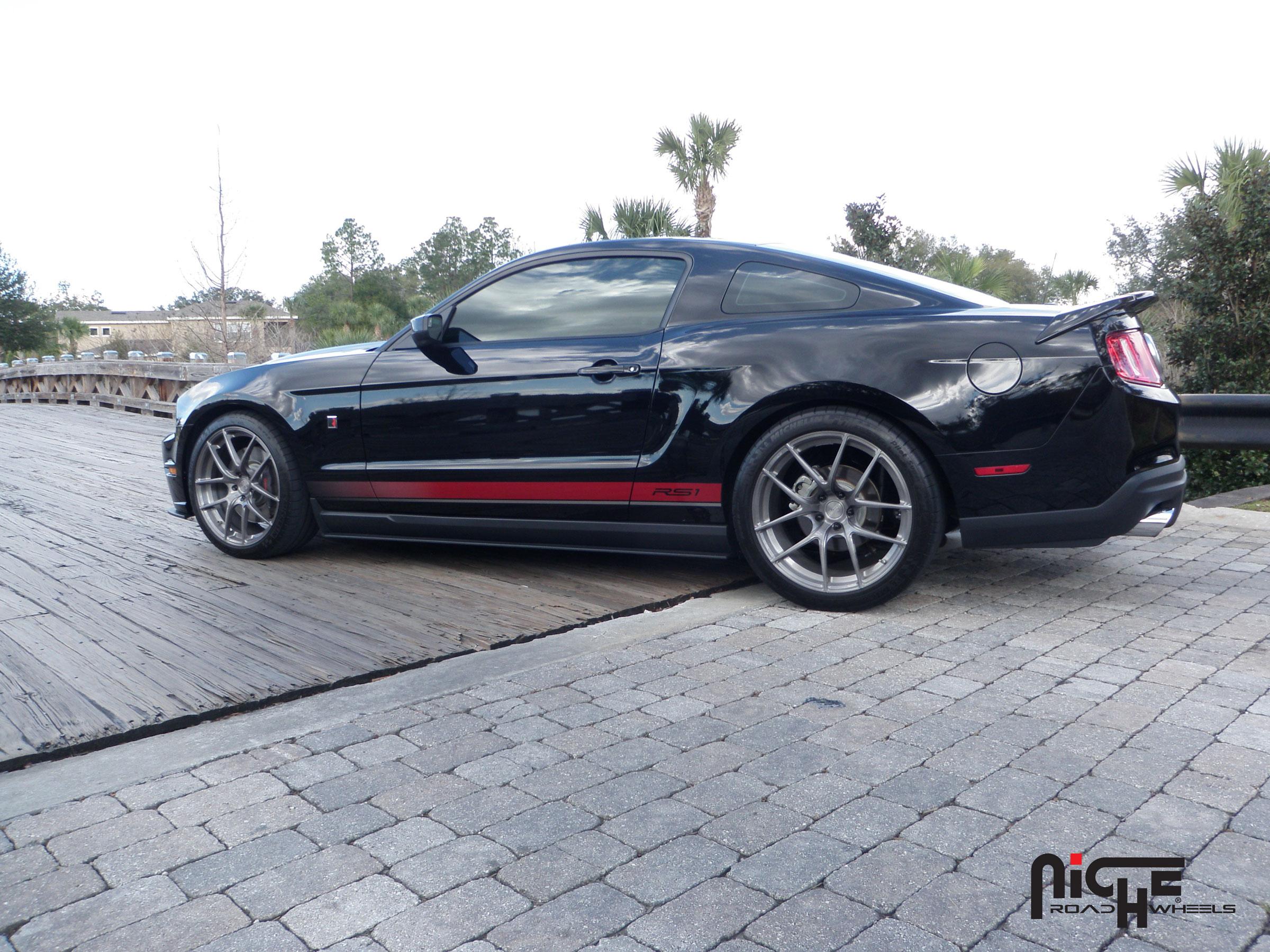 Ford Mustang Targa - M129 Gallery - MHT Wheels Inc.