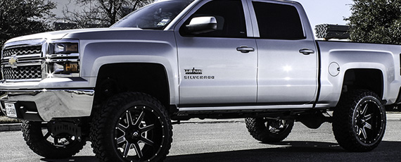 2014 Silverado on 22x12 Maverick!