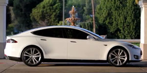 2013 Tesla Model S on Niche M886 Concourse